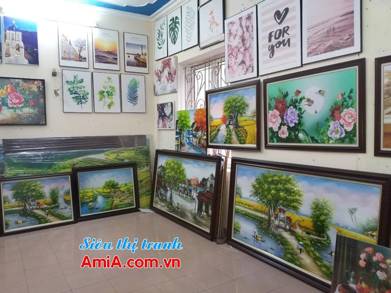 Hình ảnh showroom bán tranh treo tường đẹp